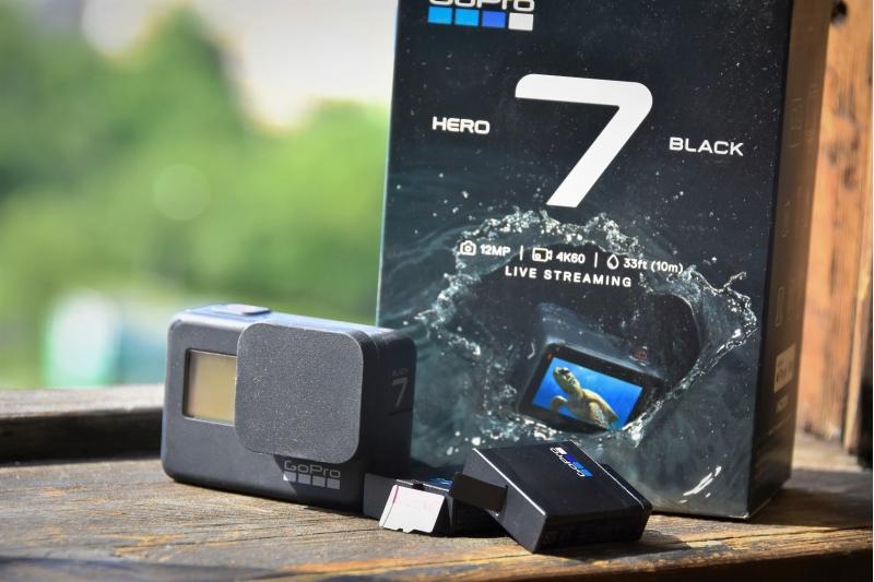 Продаю экшн камеру Go Pro 7 Blackс доп.комплектом